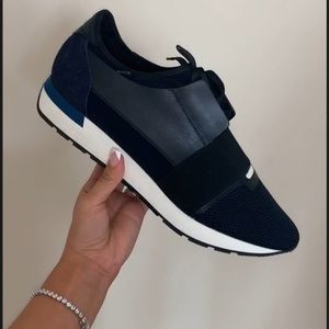 Balenciaga race runner shoe